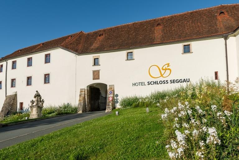 Schlosseingang SchlossSeggau