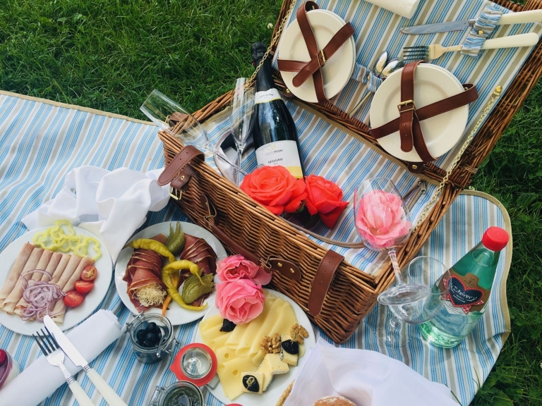 Picknick Copyright SchlossSeggau